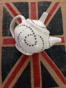 teapot white with grey dots